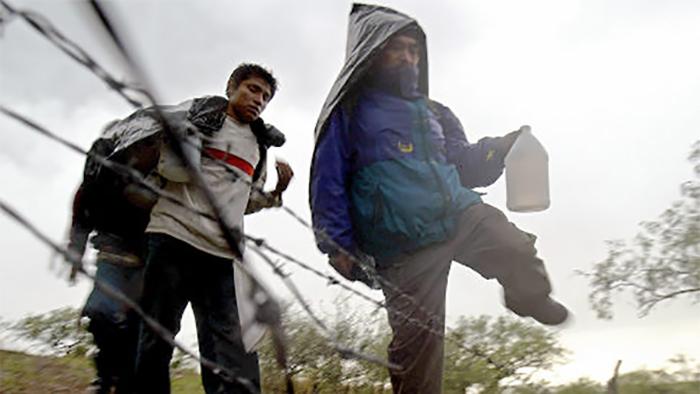 immigrantfence_1